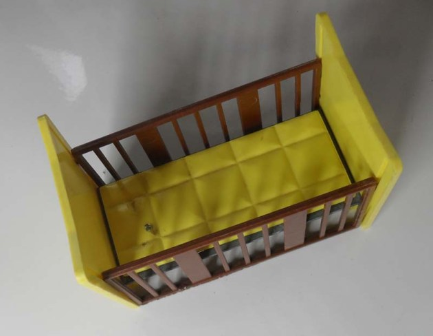 Triang Cot 1032